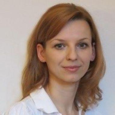 Д-р Сузана Хейнзова